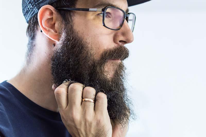 Bartwichse für die Bartpflege